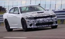 Dodge Charger SRT Hellcat bevisar topphastigheten – 333 km/h