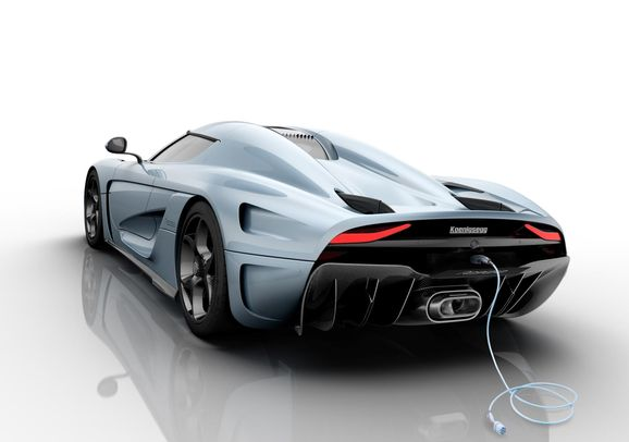 Koenigsegg_Regera_rear_down_powerplug.jpg