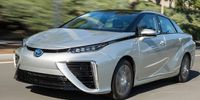 Mycket svalt intresse i USA för Toyotas vätgasbil Mirai
