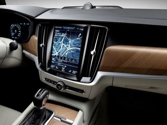 Volvo-S90-New-66.jpg