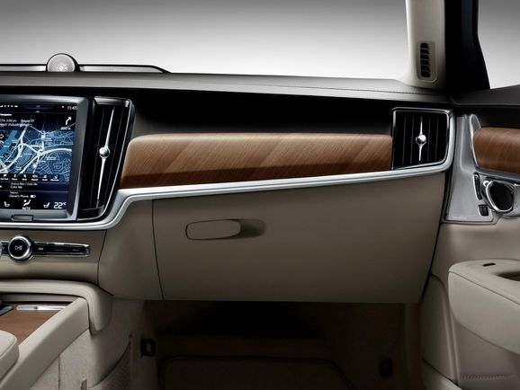 Volvo-S90-New-62.jpg