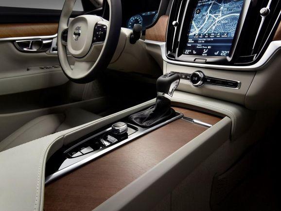 Volvo-S90-New-61.jpg