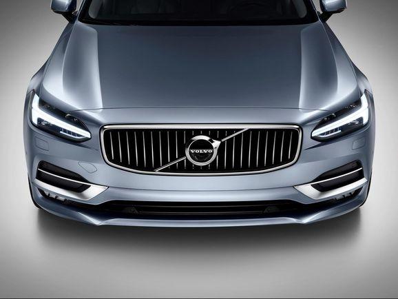 Volvo-S90-New-34.jpg