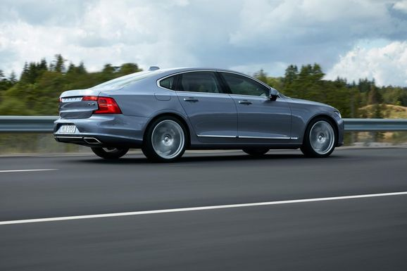 Volvo-S90-New-10.jpg