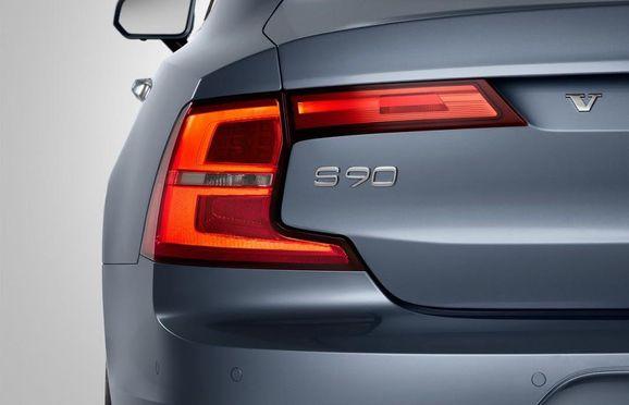 Volvo-S90-New-16.jpg