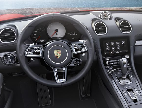 Porsche_718_014.jpg