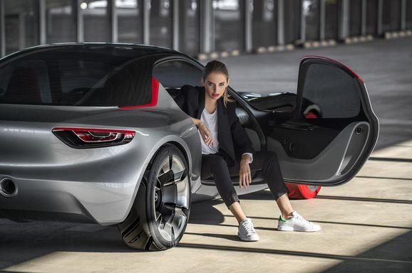 Opel_GT_111.jpg