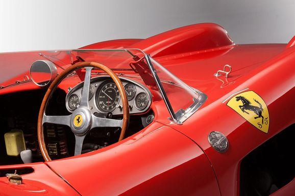 Ferrari_335S_Spider_Scaglietti_013.jpg