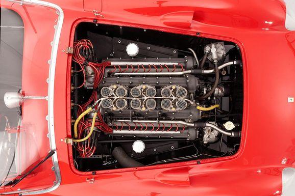 Ferrari_335S_Spider_Scaglietti_011.jpg