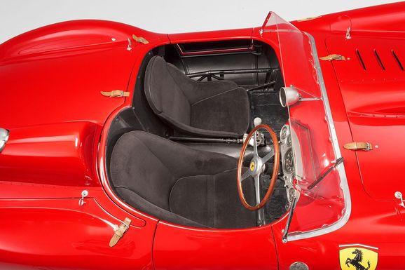 Ferrari_335S_Spider_Scaglietti_012.jpg