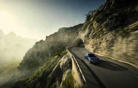 BMW-Alpina-B7-10.jpg