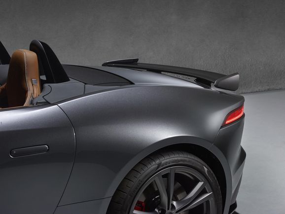 Jaguar_SVR_031.jpg