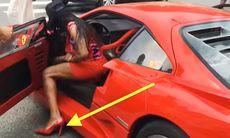 Hon kör Ferrari F40 med skyhöga klackar