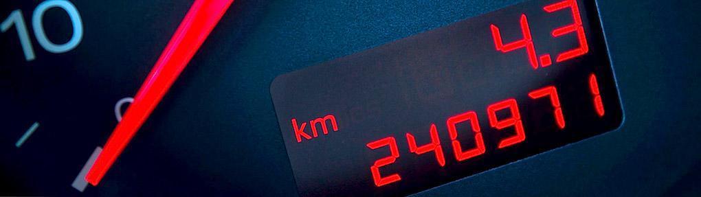 Varje år mätarskruvas över 40.000 bilar i Sverige