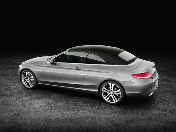 Mercedes_Cklass_Cab_035.jpg