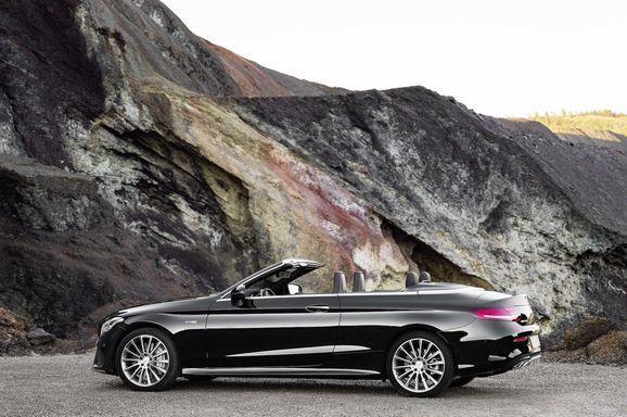 Mercedes_Cklass_Cab_025.jpg
