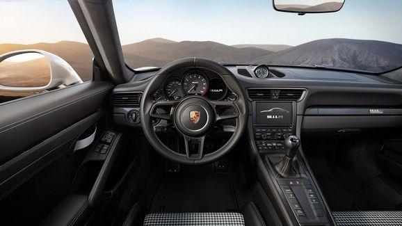 porsche-911r-unveiled-geneva-10.jpg