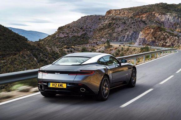 Aston_DB11_003.jpg