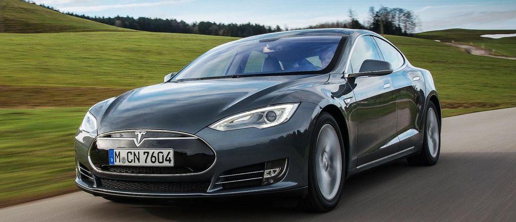 Tesla Model S klassas som utsläppsbov – straffavgift istället för rabatt