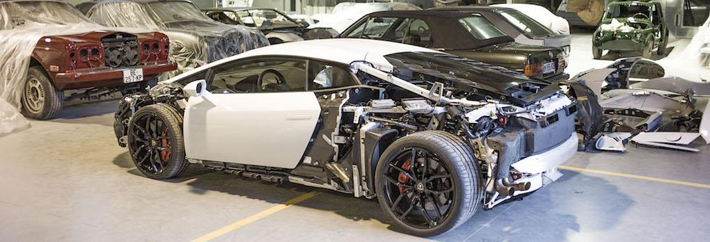 Jon Olssons nya projektbil – Lamborghini Huracan – är redan nedplockad