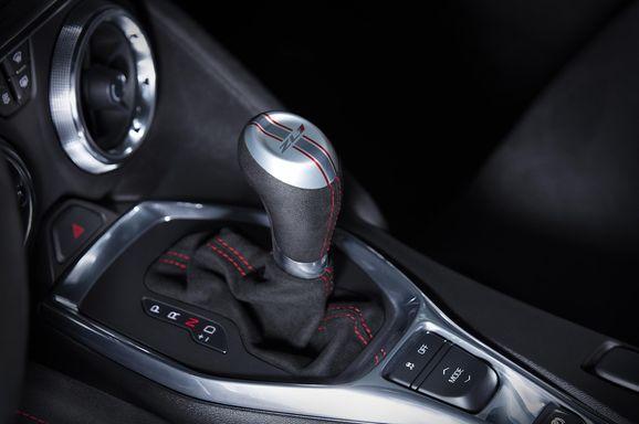 2017-Chevrolet-Camaro-ZL1-015.jpg