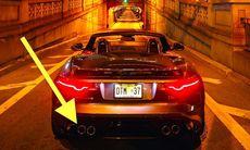 Jaguar F-Type SVR kör genom Park Aveneue Tunnel i New York