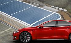 Tesla visar upp Gigafactory – ska sänka batteripriset med 30 procent