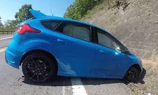 Ford Focus RS: Trycka på Drift Mode innebär inte att du lär dig drifta
